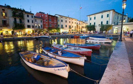 Als cultuurliefhebber naar het Gardameer? Bezoek dan zeker deze plaatsen